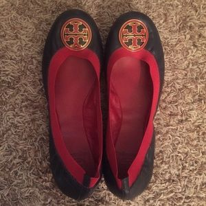 Tory Burch Navy and red reva ballet flats